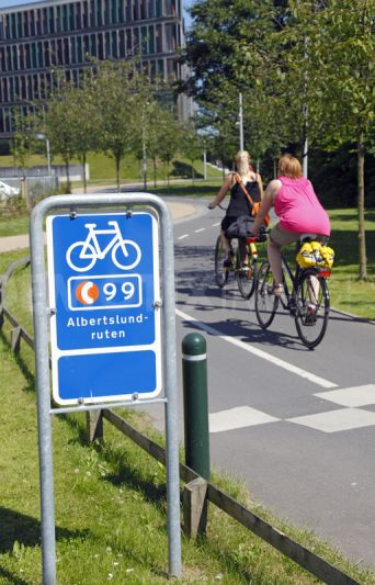 1343198155-bicycle-superhighways-and-green-bicycle-path-systems-in-copenhagen_1353405